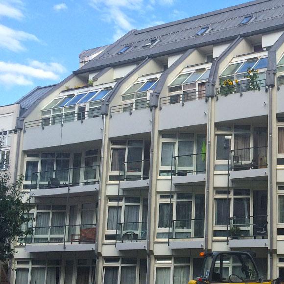 IP Muenchen Wohnungen Aussenansicht Balkons Muenchen